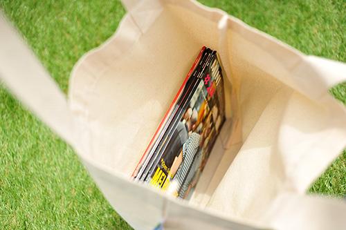 A4サイズの雑誌が横向きにピッタリ入ります