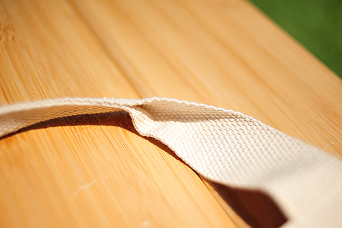 持ち手は綿のショルダー紐が柔らかく可愛いです