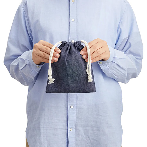 デニム巾着(S)のサイズ感
