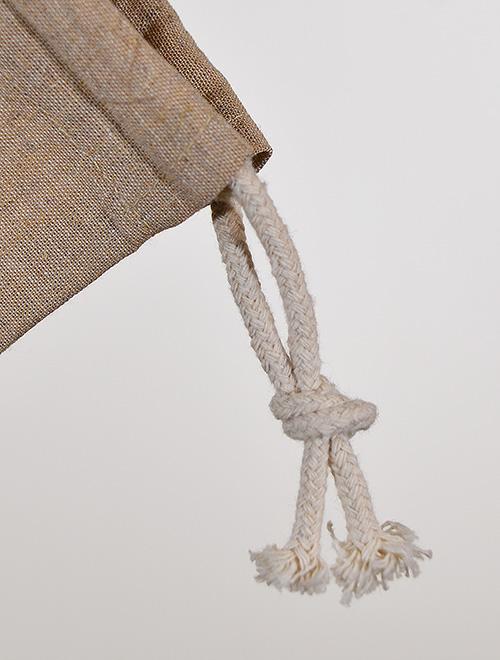 絞り口紐はロープタイプです