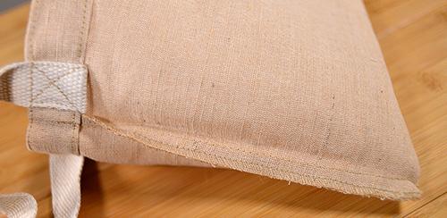バッグ横部分はロックミシンでしっかり縫製されています