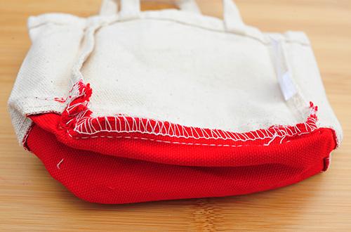 トートの底面から見た縫製