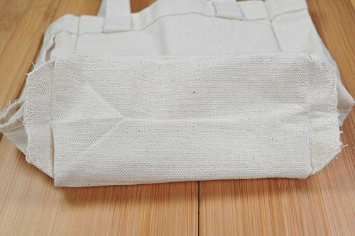 底面の縫製です