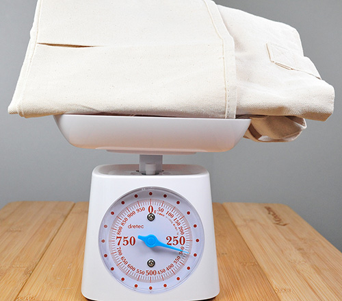 キャンバスツールトートの重さは300gでした