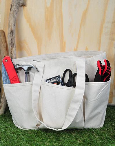実用性はもちろんのこと、  工具を入れても様になるバッグです