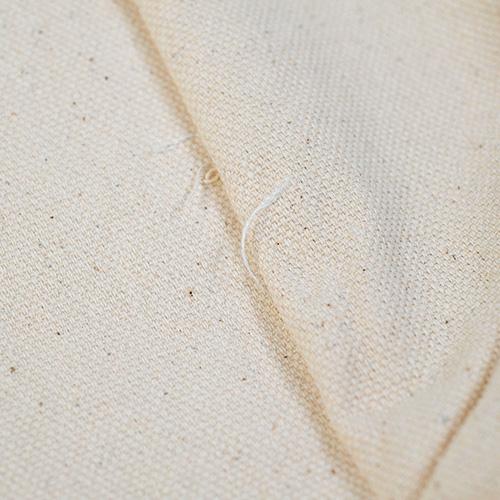 サイドの裏地の縫製です