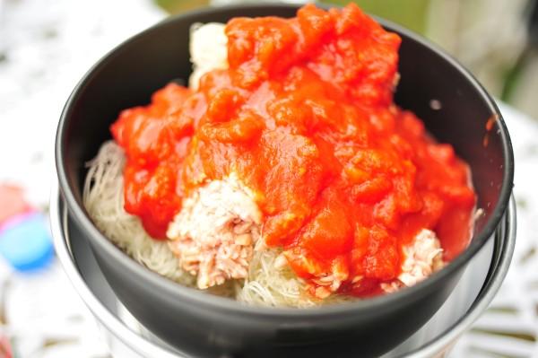 ビーフン+ツナ+トマト缶+水